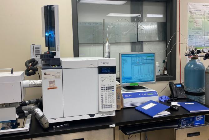 Preparatory fraction collector analytical apparatus in the laboratory
